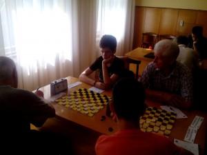 Грає Антон Луценко